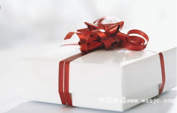 开一家情侣礼品加盟店怎么样 贵在创意